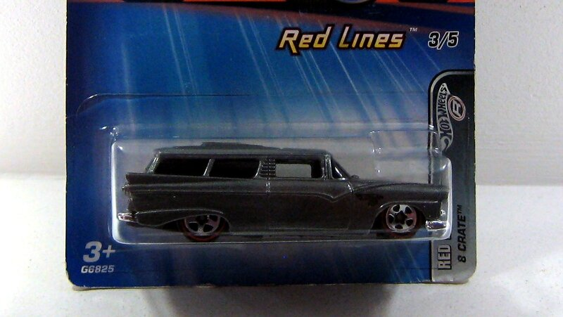 8 crate (Red lines)(Hotwheels 2005)01