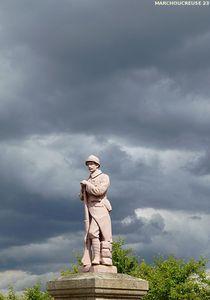 soldat_rose_du_monument_aux_morts_La_Cellette