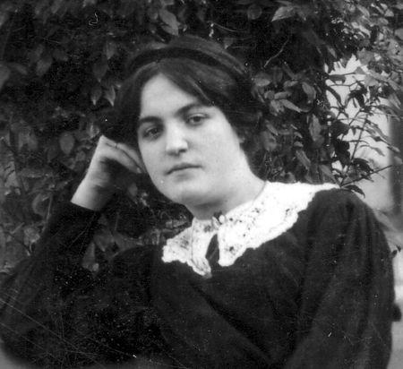 Augustine_vers_1912