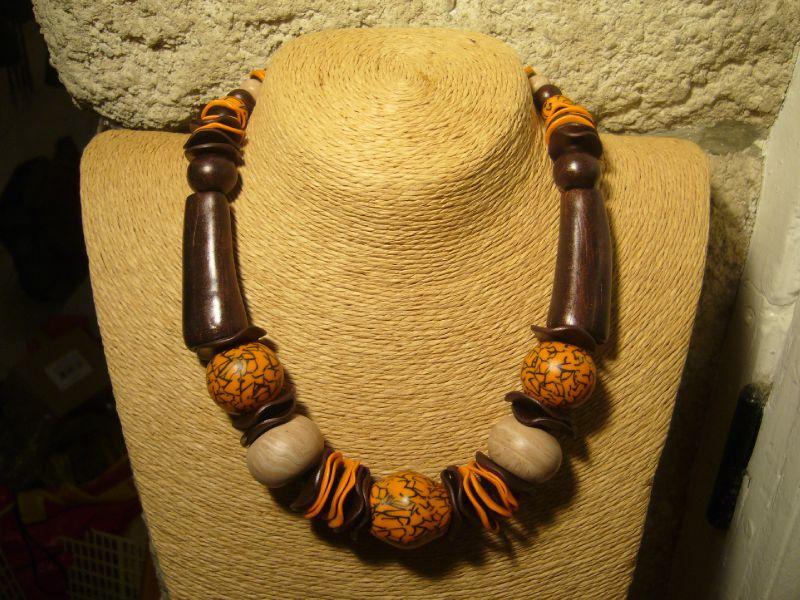 collier bois et orange marbré