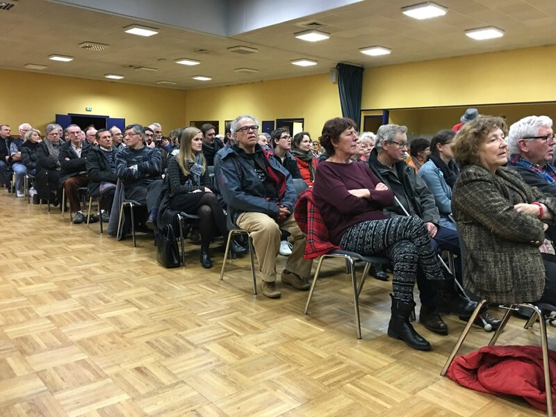 Centre d'Accueil de Demandeurs d'Asile CADA Avranches réunion publique 2016 public salle