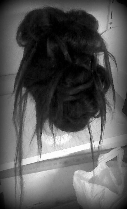 Chignon Rock n'Roll ;p - New Hair By -A