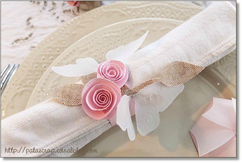 table rose serviette