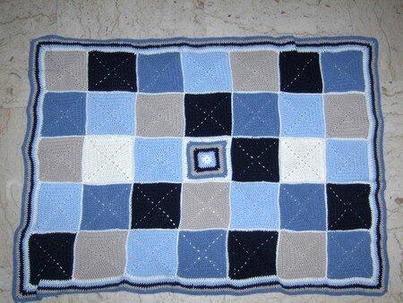 crochet_couverture_b_b__en_solid_grannies_bord_e_22_juiilet_2014