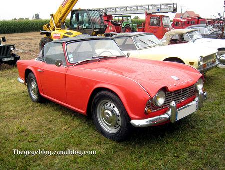 Triumph_TR4_convertible__5_me_F_te_Autor_tro__tang_d__Ohnenheim__01