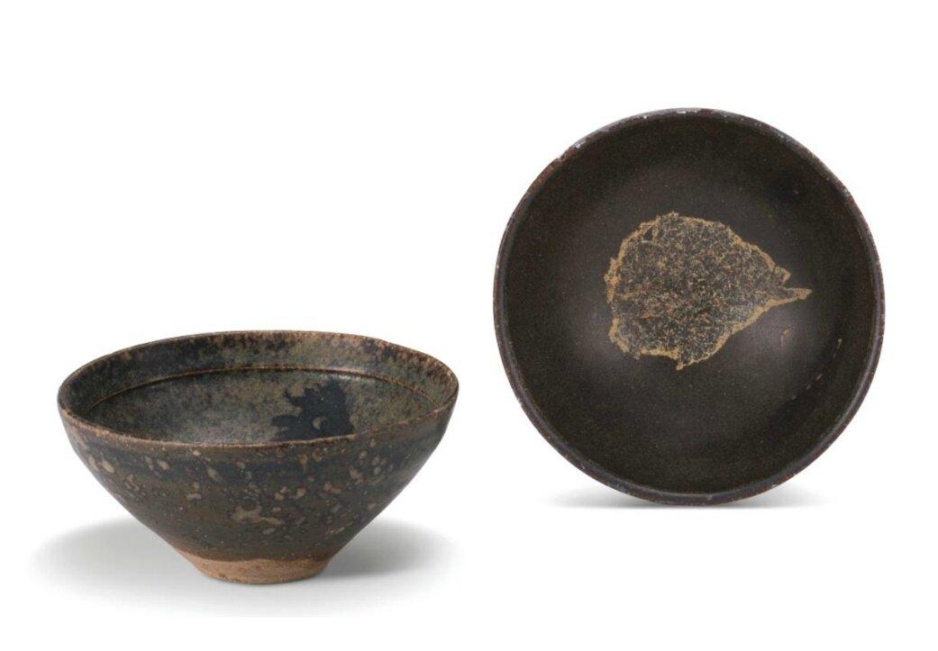 A 'Jizhou' 'leaf' bowl and a 'Jizhou' 'papercut' bowl, Song dynasty (960-1279)