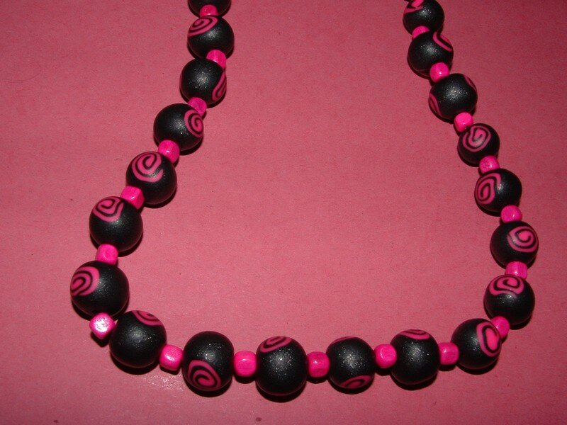 collier 'spirale' rose et noir