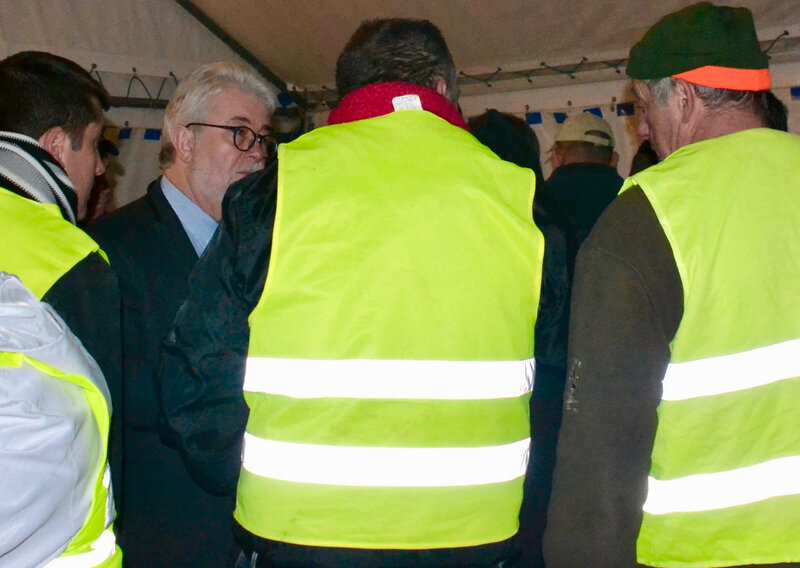GILETS JAUNES 2018 discussion chapiteau