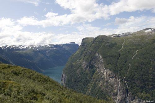 0051geiranger_walking_fjord5
