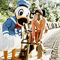 michael-films-a-special-at-disneyland-for-disneys-25th-anniversary(15)-m-3