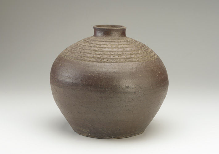 Bottle with combed decoration, 19th-early 20th century, Nguyên d