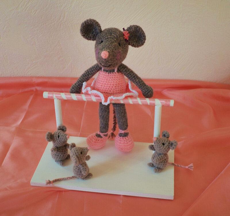 Souris ballerine, crochet, amigurumi, laine (15)