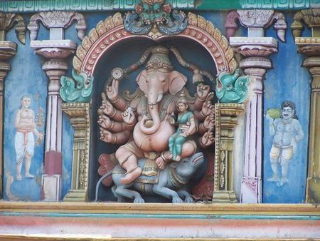 329948_Ganesha_on_Sri_Meenakshi_Temple_1