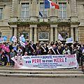 La Manif pour tous à la Mairie dans le Val de Marne