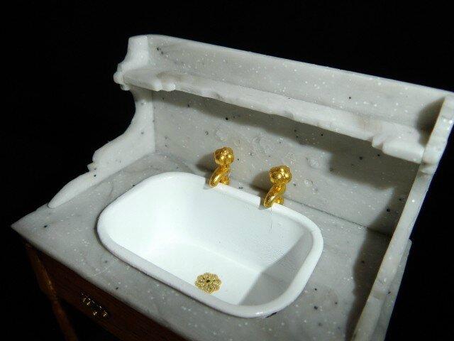 Table de toilette 003