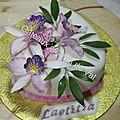 Gâteau d'anniversaire orchidées et papillons