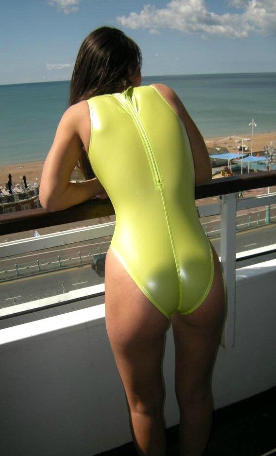 Realise swimsuit N-007sh Back 1
