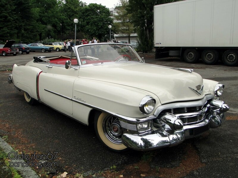 cadillac-62-convertible-continental-kit-1953-01