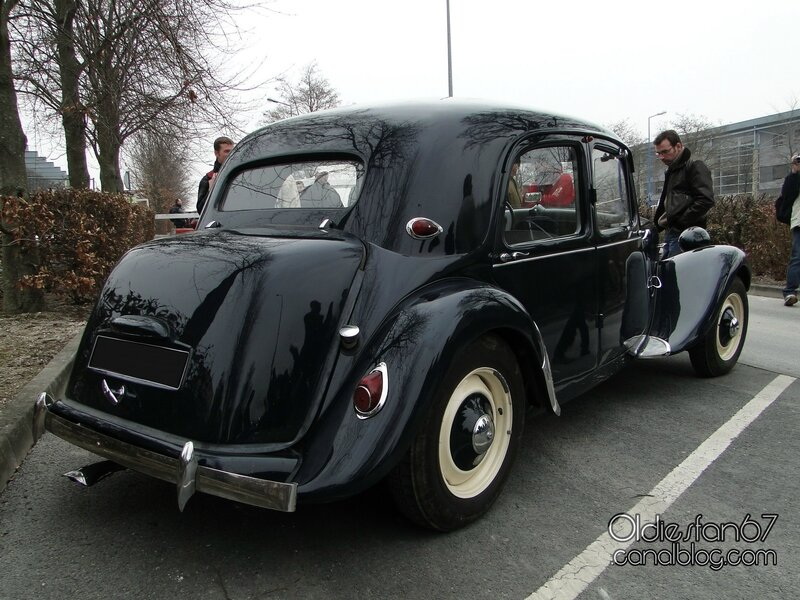 citroen-traction-1946-1957-calandre-tonneline-2