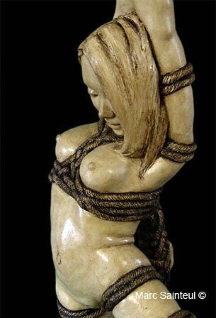 Sculpture kinbaku Doll