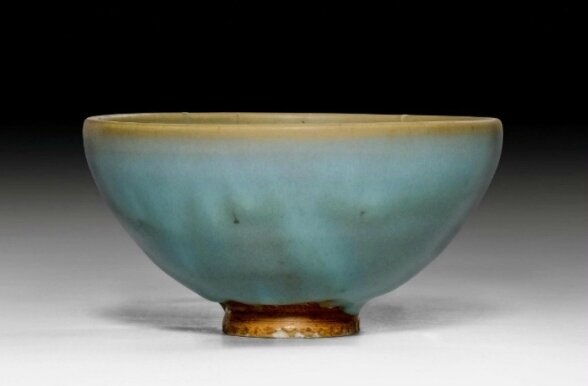 A Jun-glazed bowl, China, Yuan dynasty