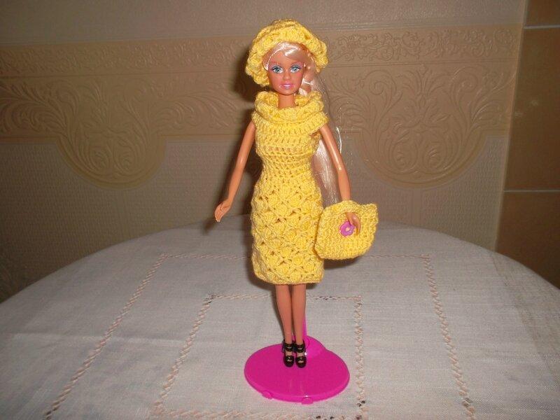 Barbie 2 est fière de sa tenue