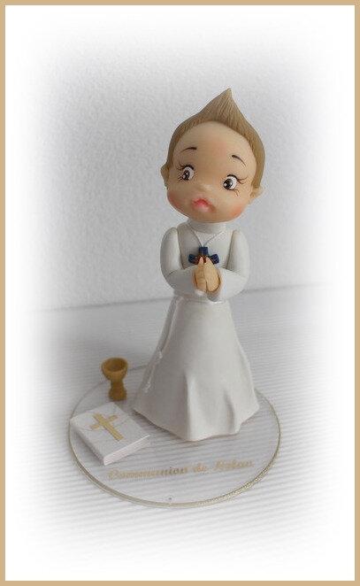Personnage communion en porcelaine froide