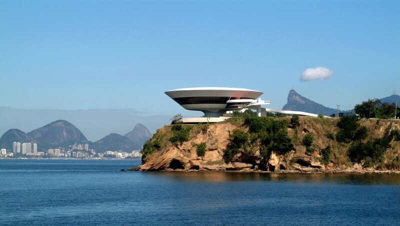 mac_niteroi_2_paulinho_muni_jpg_1983_north_1160x_white