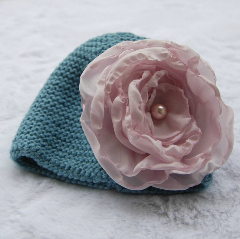 Bonnet gazouillis et cie-fleur cereza déco2
