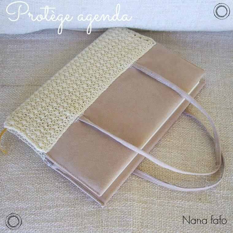 protege-carnet-agenda-crochet-beige