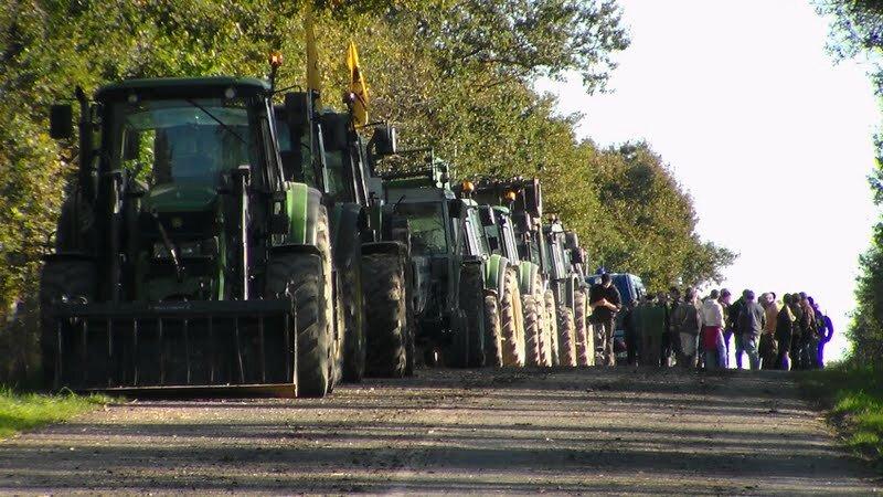 arrivée tracteurs nddl