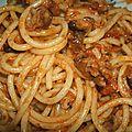 Spaghetti a l'ail et a la tomate sechee