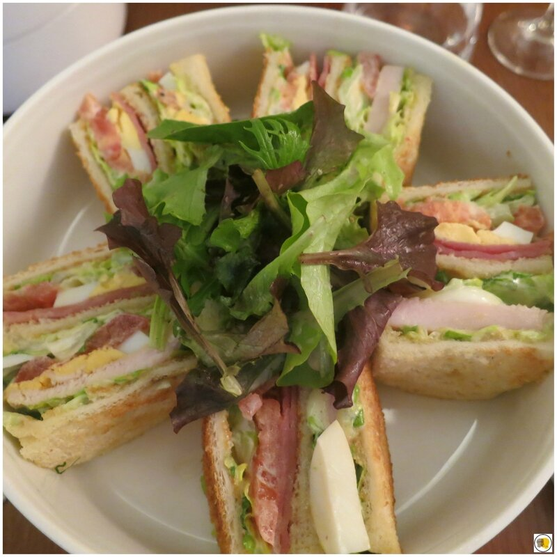 Club sandwich - Pommes frites - Tendres pousses