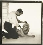 1958-by_richard_avedon-mm_with_kenneth_battelle-013-1