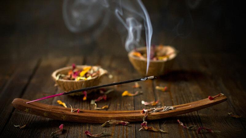 Le bon rituel pour trouver du travail avec le Grand Maître MALAYIKAN