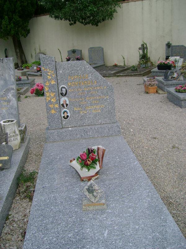 262 - Tombe de la famille Montanola