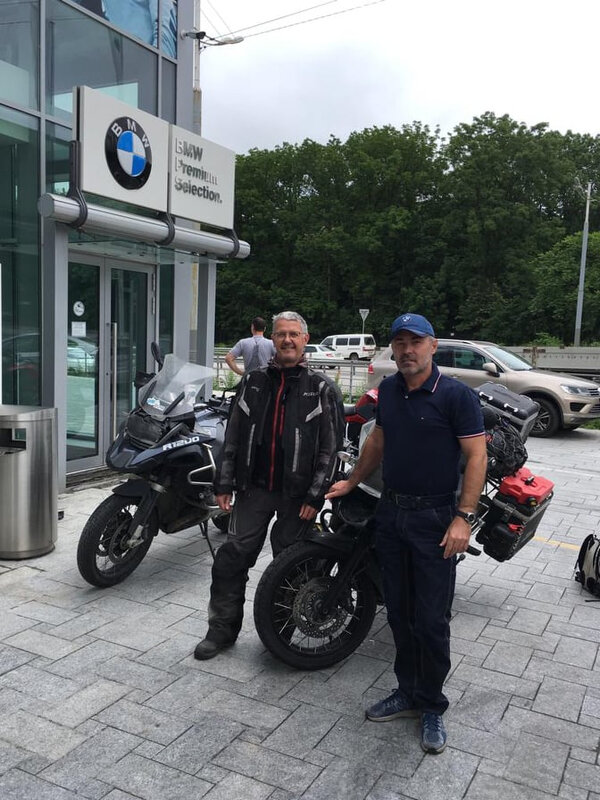 0207 andré au garage BMW