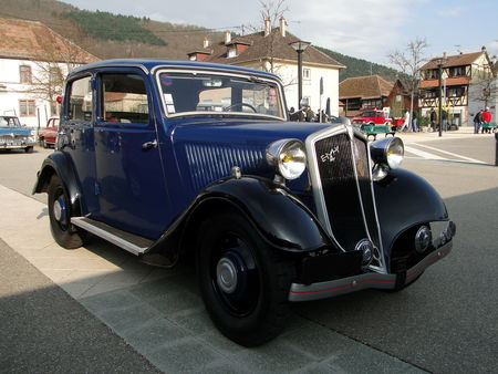 MATHIS EMY M4L 1935 Bourse Echanges Autos Motos de Chatenois 2010 1