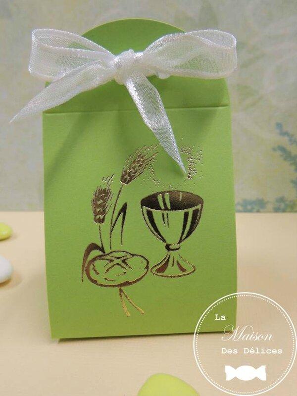 Ballotin dragees iris boite communion vert anis dore calice epi ble pain contenant amande avola chocolat ruban organza blanc organdi