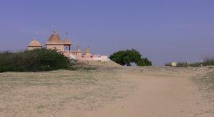 Ravalpir, temple