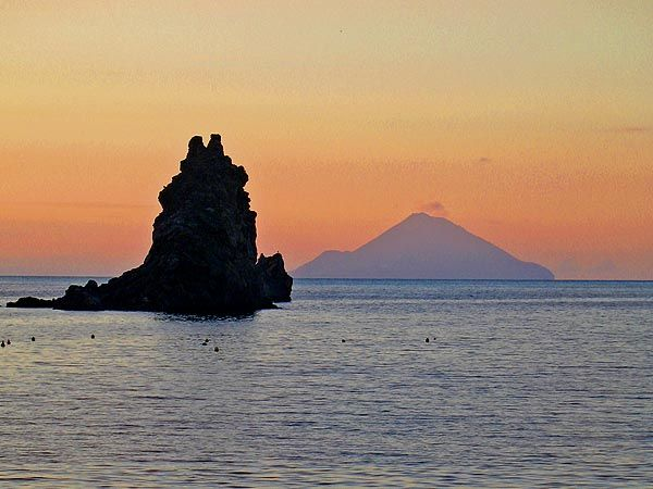 Vulcano: Filicudi sunset.