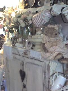 meuble avec petit ours