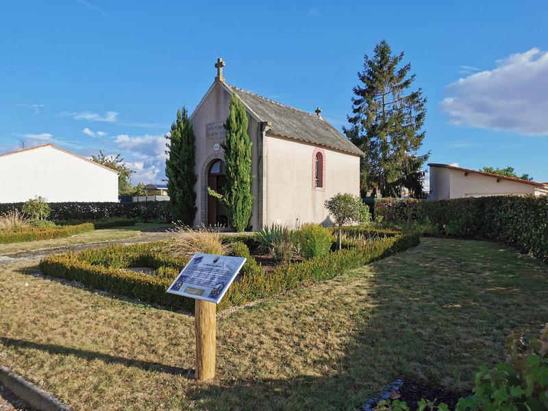 Saint-Martin-des-Tilleuls : une plaque à la chapelle des Martyrs