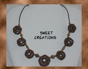 Collier_donuts_au_chocolat
