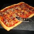 Pizza chic au foie gras et au magret de canard séché