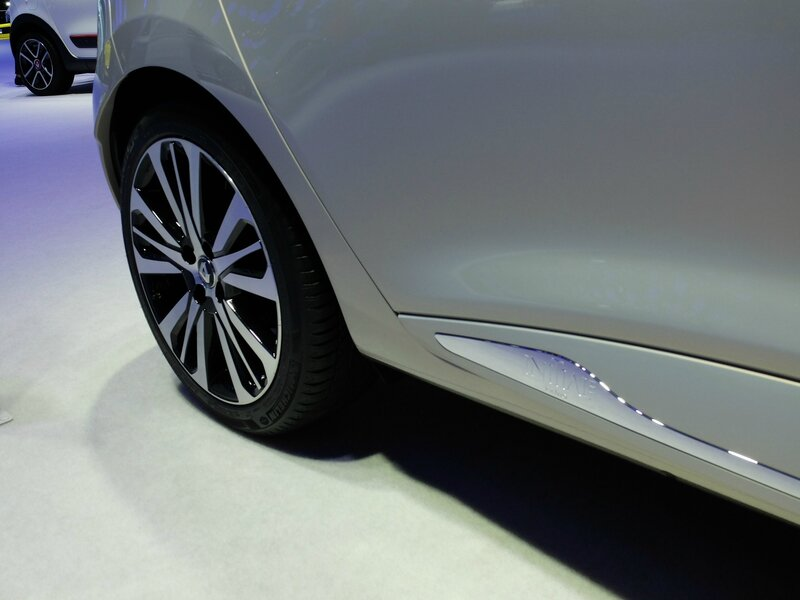 Renault-Clio-Initiale-Paris-7