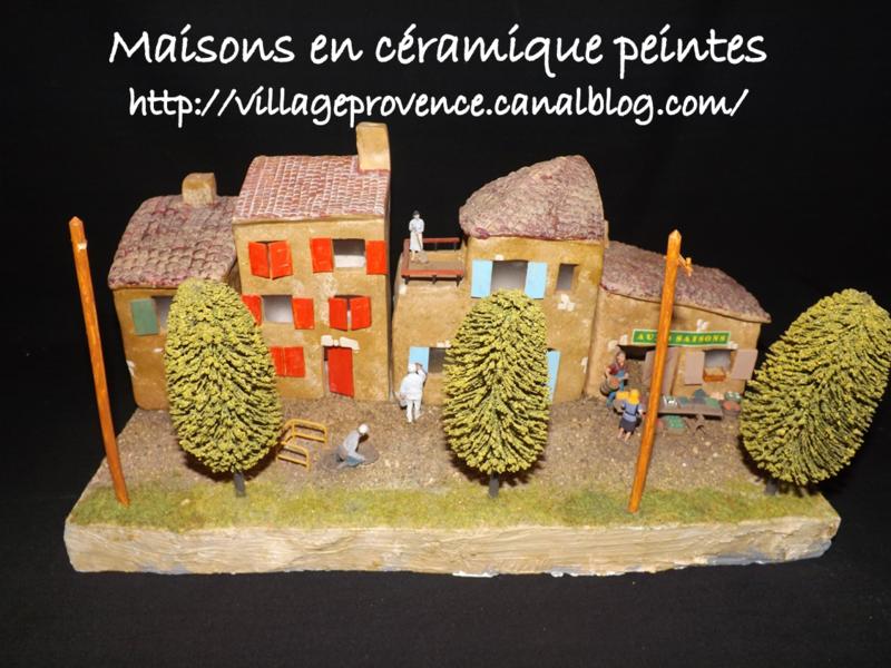 maison,céramique,village,crèche,miniature,santon,provence,provençal,biscuit,à décorer,à peindre,pas cher,lesdécosdelaflo,montsalès,aveyron,noel,peinture,éponge,acrylique,petit,module