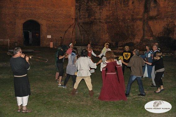MONTANER_banquet_medieval_au_chateau_de_Gaston_Febus animee_par_le_sacqueboutier_de_la_Compagnie_des_Musiciens_Routiniers_de_Roques_32