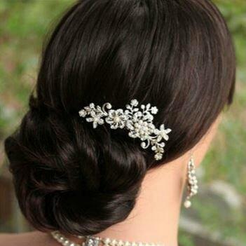 fleur et strass sur peigne barette 10