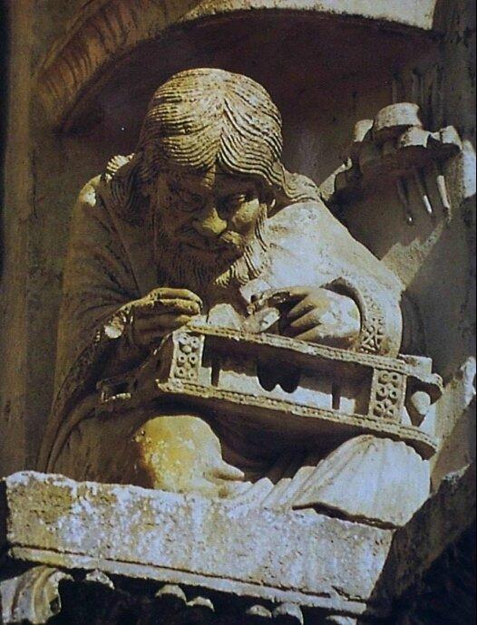 Statue de Pythagore à la Cathédrale de Chartres